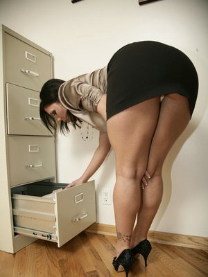 Big booty office skirt