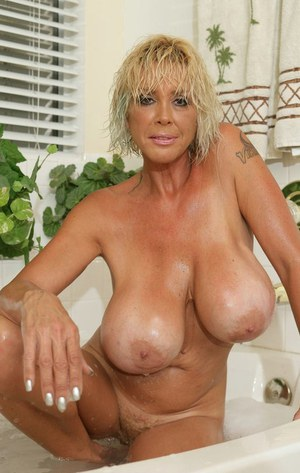 Dani, milfs and mothers with huge tits anal