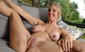 Bald Granny Pussy Pictures - Full Screen Sexy Videos